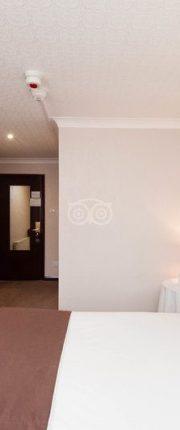 standard-double-room-v9658500