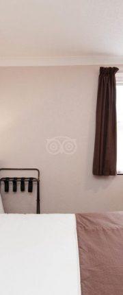 standard-double-room-v9658601