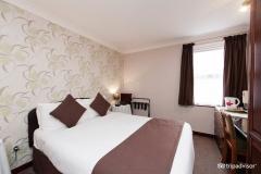 standard-double-room-v9658563