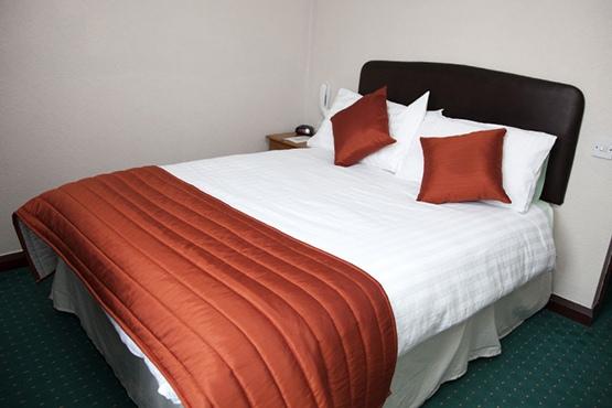 Hotel-Room-Single-01