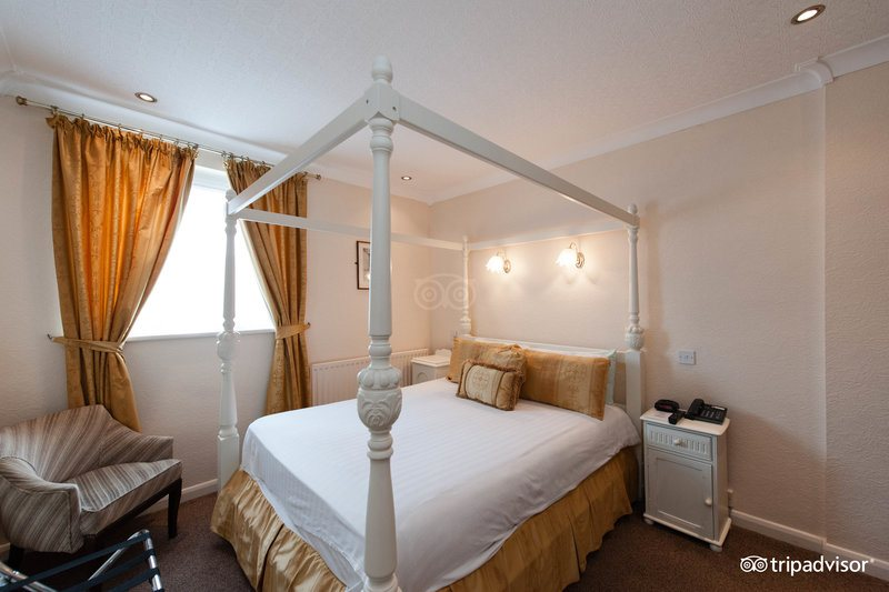 superior-double-room-v9658564